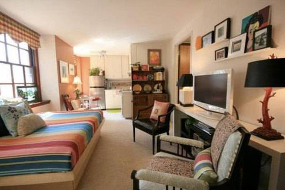 Decorating In Small Spaces - Sela Investments : Sela Investments