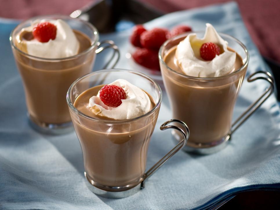 Original_Fine-Living-Cocktails-Cocoa-Raspberry-Heaven_s4x3.jpg.rend.hgtvcom.966.725[1]